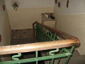 a další bylo schodiště, které je duší domu