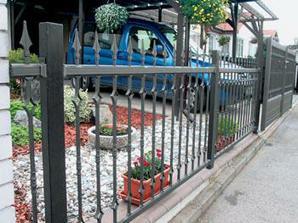 plot nějaký kovaný