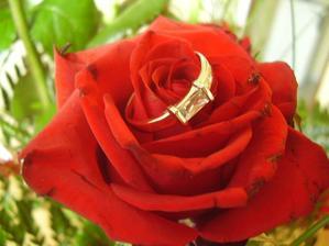 Zásnubní prstýnek :-))
