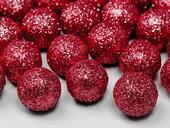 Dekoračné glitrové guličky červené,