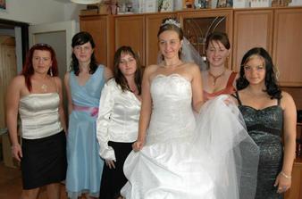 moje pomocníčky sestry sesternícky a kámošky
