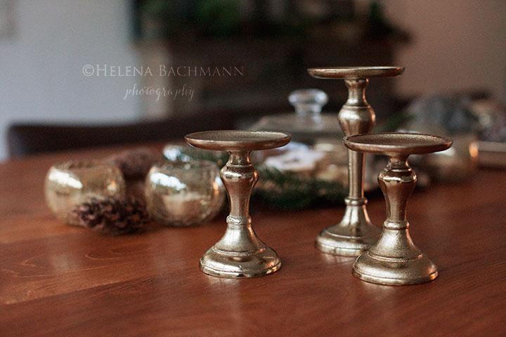 Vianoce 2015 - moje zlate svietniky.. uz len stol a stolicky na terasu treba :-D