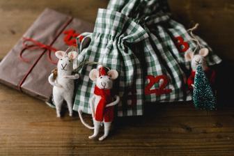 adventny kalendar.. s myskami.. tie zavesime buduci rok na stromcek :-D