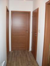 dvere podlaha  už hotovéééé
