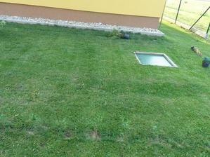 pred úpravou, sem príde zeleň :)