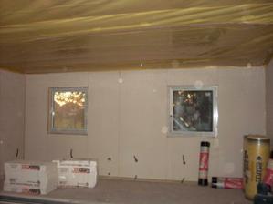 obvodové steny obložené a zateplené