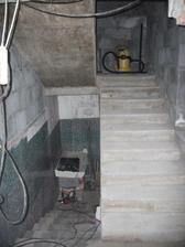 schody konecne odsalovane po roku :)