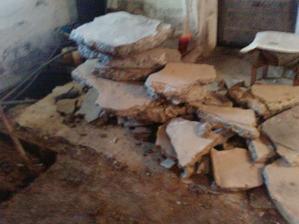 tak takyto tenky beton bol v pivnici na podlahe a popukany (trebalo ton radikalne riesenie