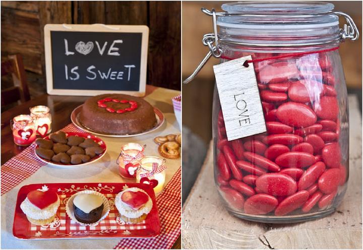 8760 hodín po svadbe... ako to oslávime rok po ... - upečieme nejaký koláčik, alebo tortičku so srdiečkovým motívom...