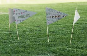 8760 hodín po svadbe... ako to oslávime rok po ... - niečo takéto do zeme... s inými textami :-)