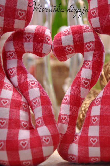 8760 hodín po svadbe... ako to oslávime rok po ... - ušijem si cicušky so srdiečkom medzi chvostíkmi :-)