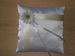 Vankúšik s kvetom