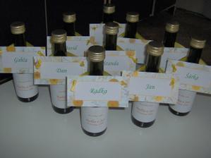 svatebni vino a jmenovky na stul 2v1, vlastni vyroba:-)