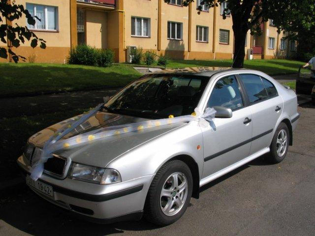 Radka{{_AND_}}Jan - moje autíčko / the car of the bride