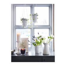 Také možnost, Ikea a kovové květináče s krajkou
