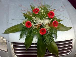 kytka na auto - ale bude z růží