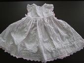 Šaty s puntíky M&Co vel. 80, 80