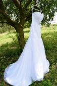 Luxusní svatební šaty s krajkovou aplikací 36-40, 39