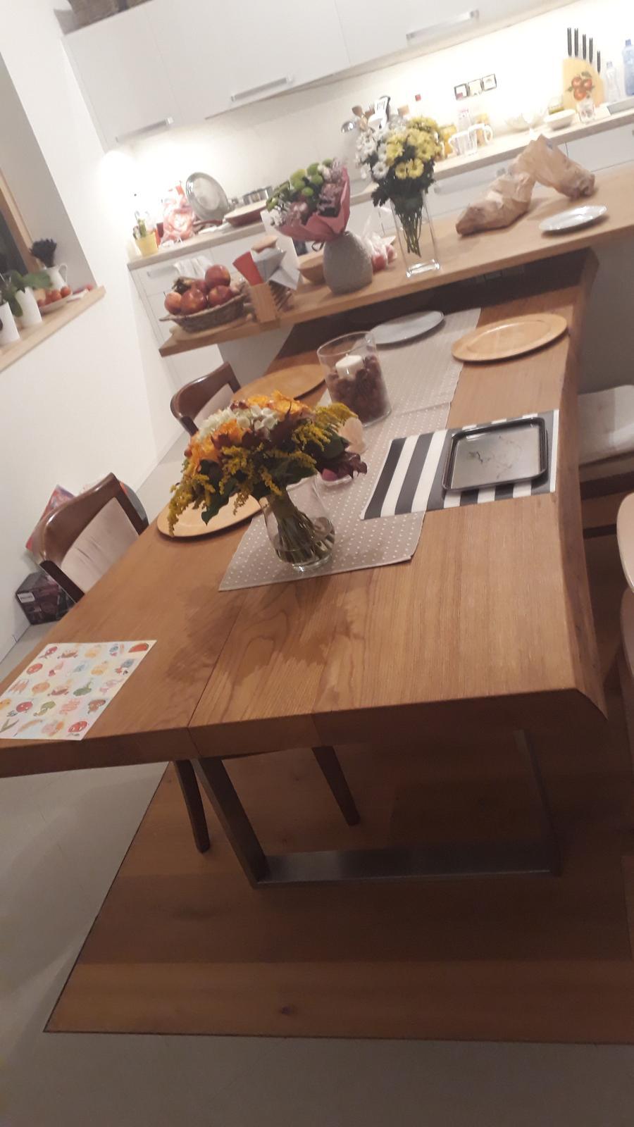 Foto stola... - Obrázok č. 1