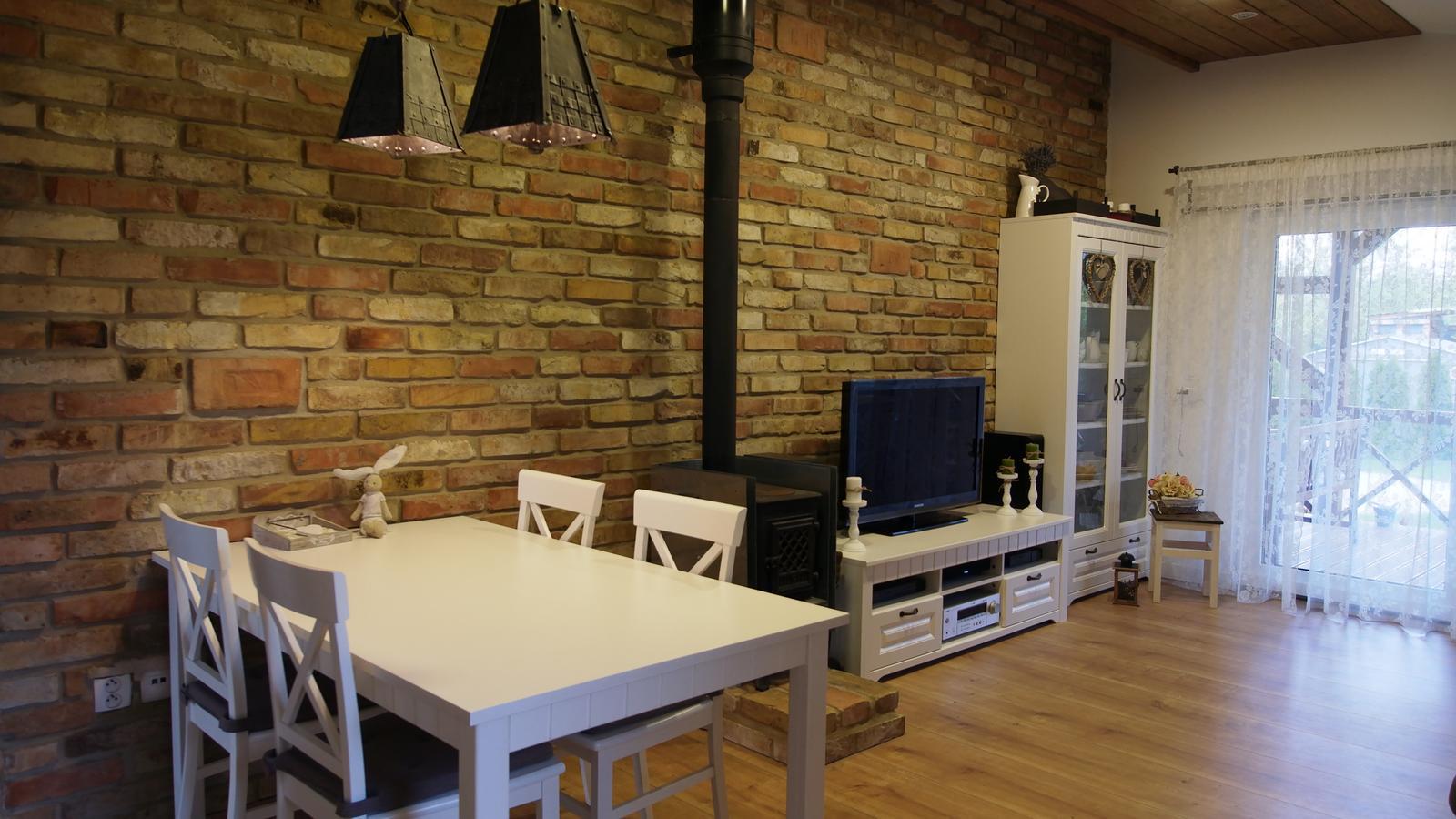 Náš domček ♡ Bramasole ♡ ... Stilo interiér aj exteriér 3. rok bývania - Obrázok č. 1
