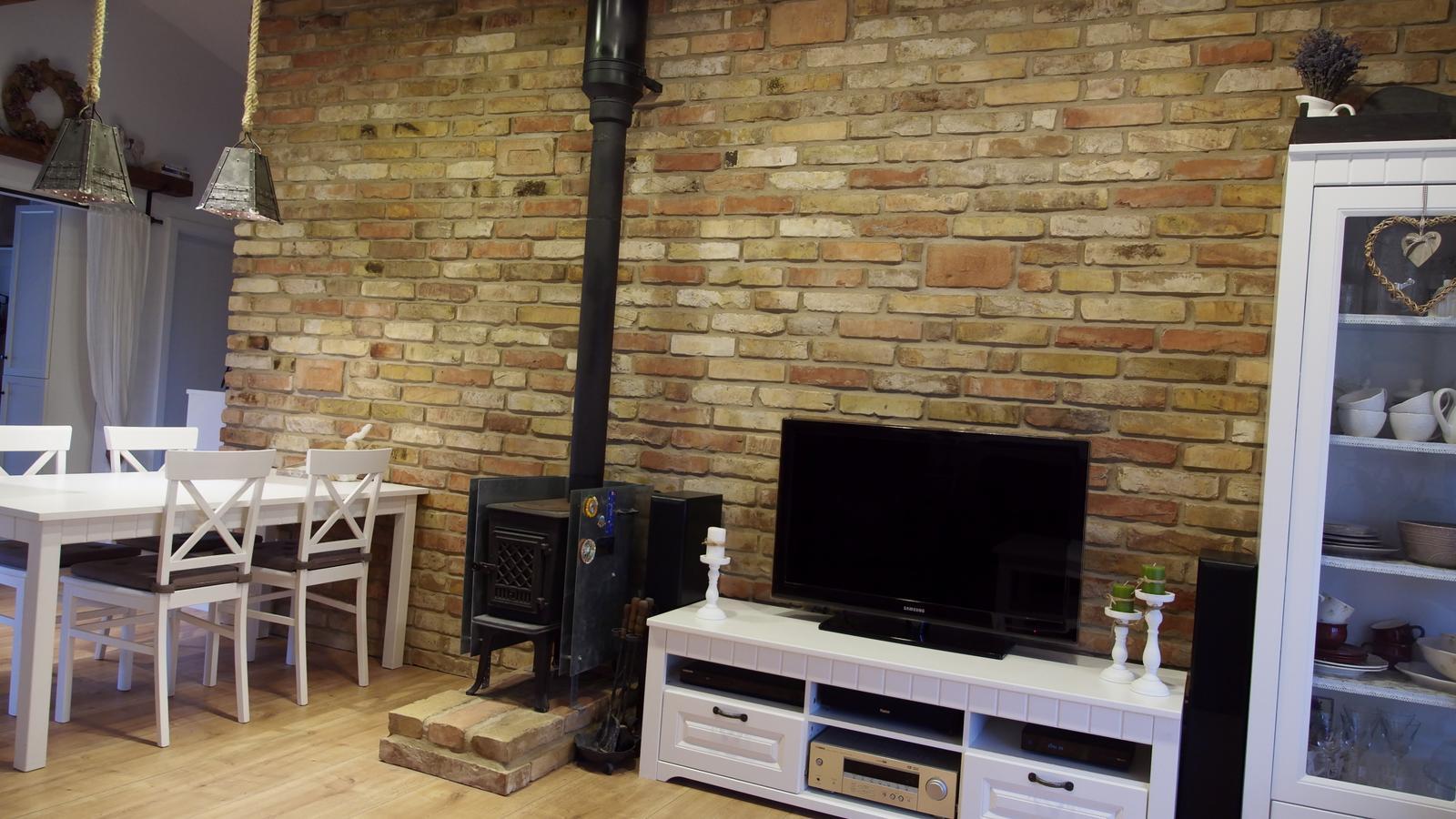 Náš domček ♡ Bramasole ♡ ... Stilo interiér aj exteriér 3. rok bývania - Obrázok č. 3