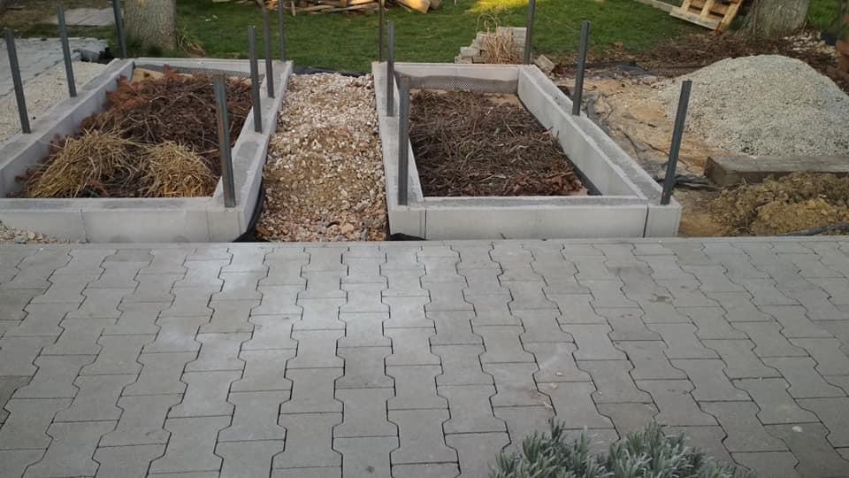 Vyvýšené záhony - DT sú vypĺňané suchým betónom