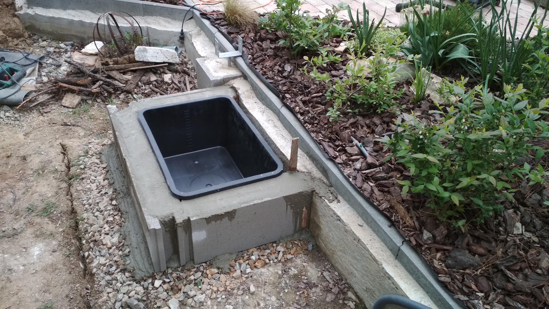Vodný prvok v záhrade - Obrázok č. 5