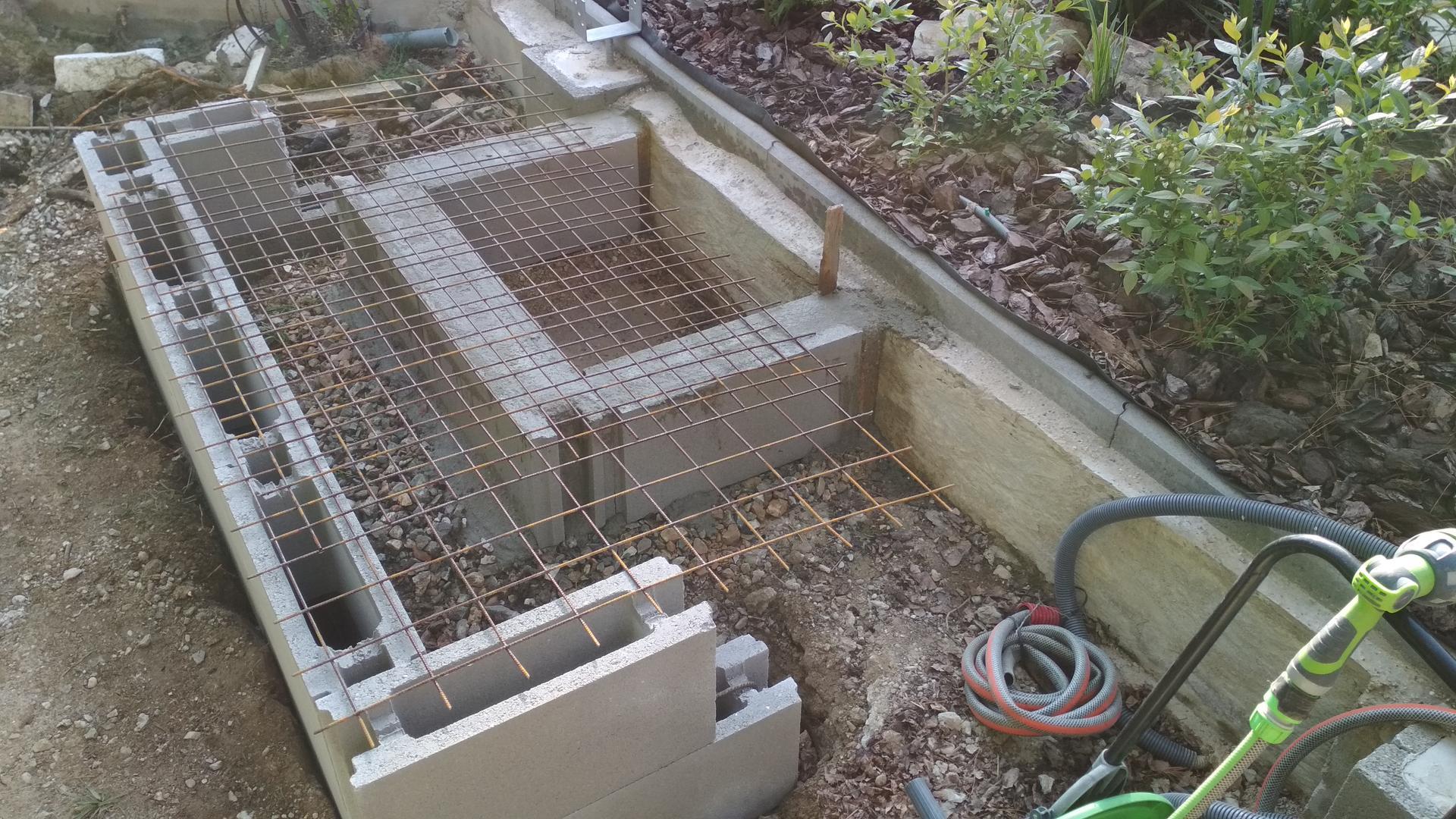 Vodný prvok v záhrade - Obrázok č. 6