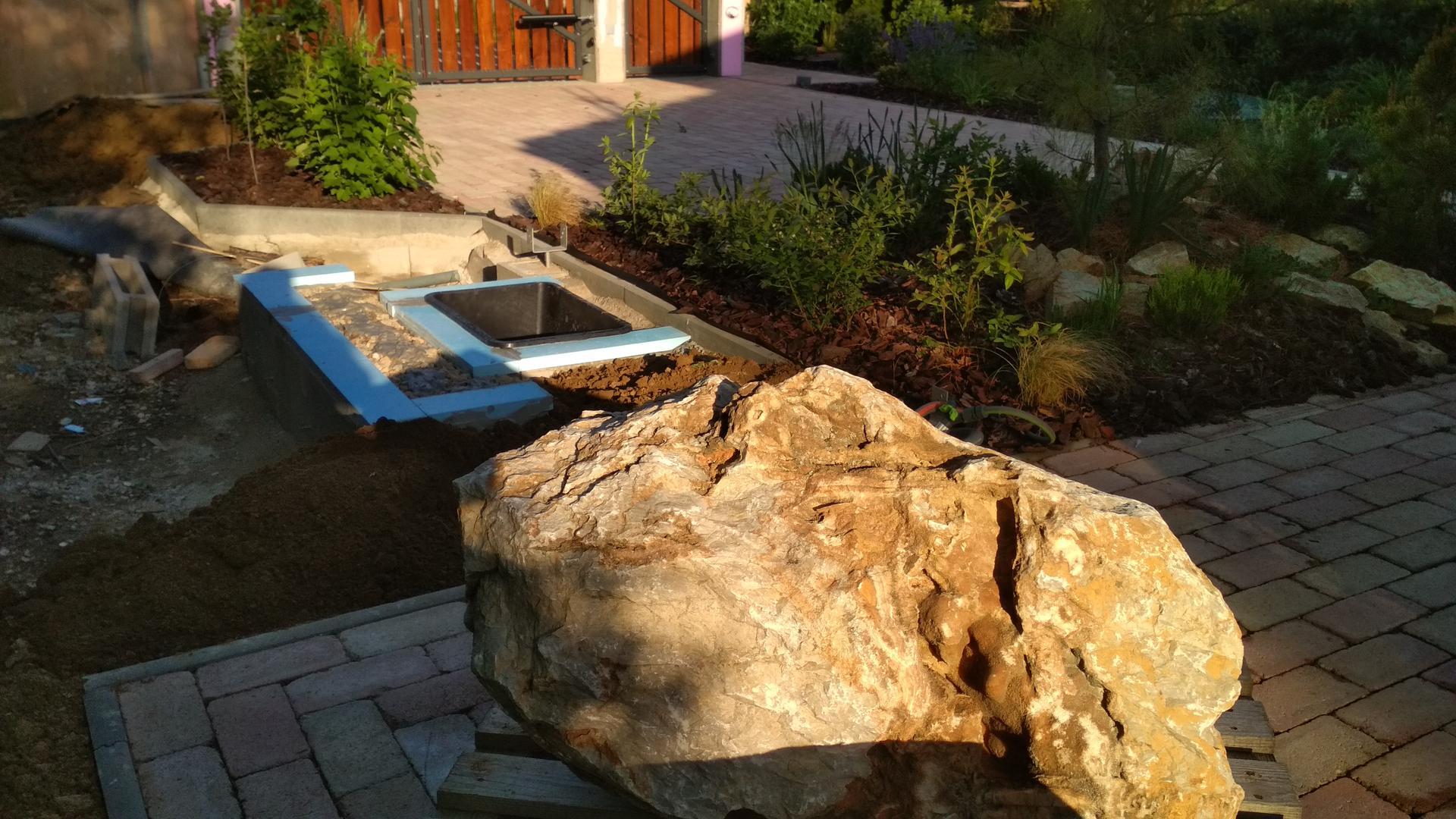 Vodný prvok v záhrade - Obrázok č. 16