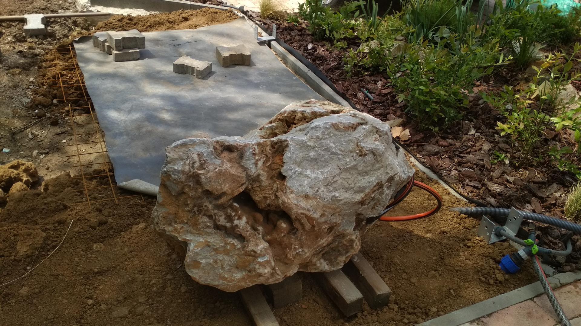 Vodný prvok v záhrade - Obrázok č. 21