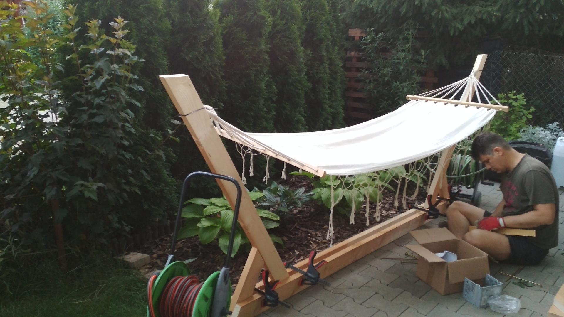 Drevený stojan na hojdaciu sieť... relax v záhrade - Obrázok č. 9