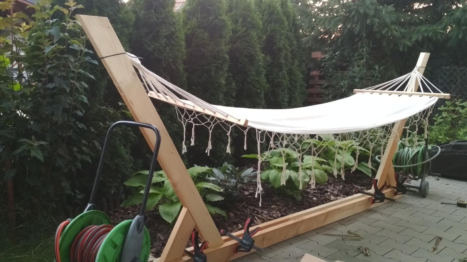 Drevený stojan na hojdaciu sieť... relax v záhrade - Obrázok č. 7