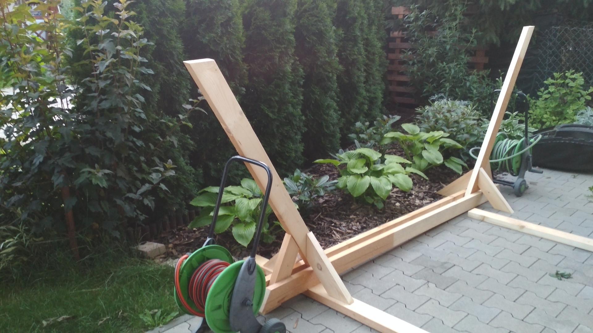 Drevený stojan na hojdaciu sieť... relax v záhrade - Obrázok č. 10