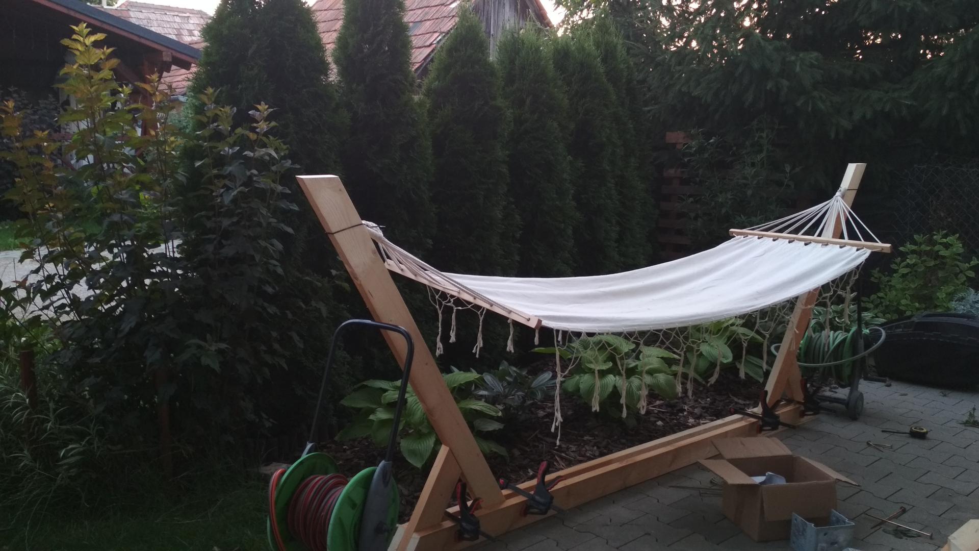 Drevený stojan na hojdaciu sieť... relax v záhrade - Obrázok č. 8