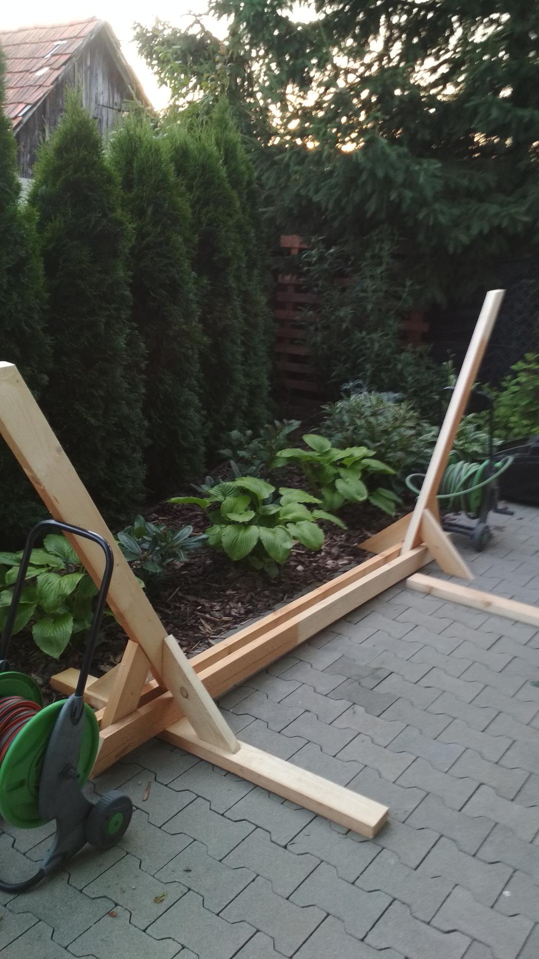 Drevený stojan na hojdaciu sieť... relax v záhrade - Obrázok č. 11