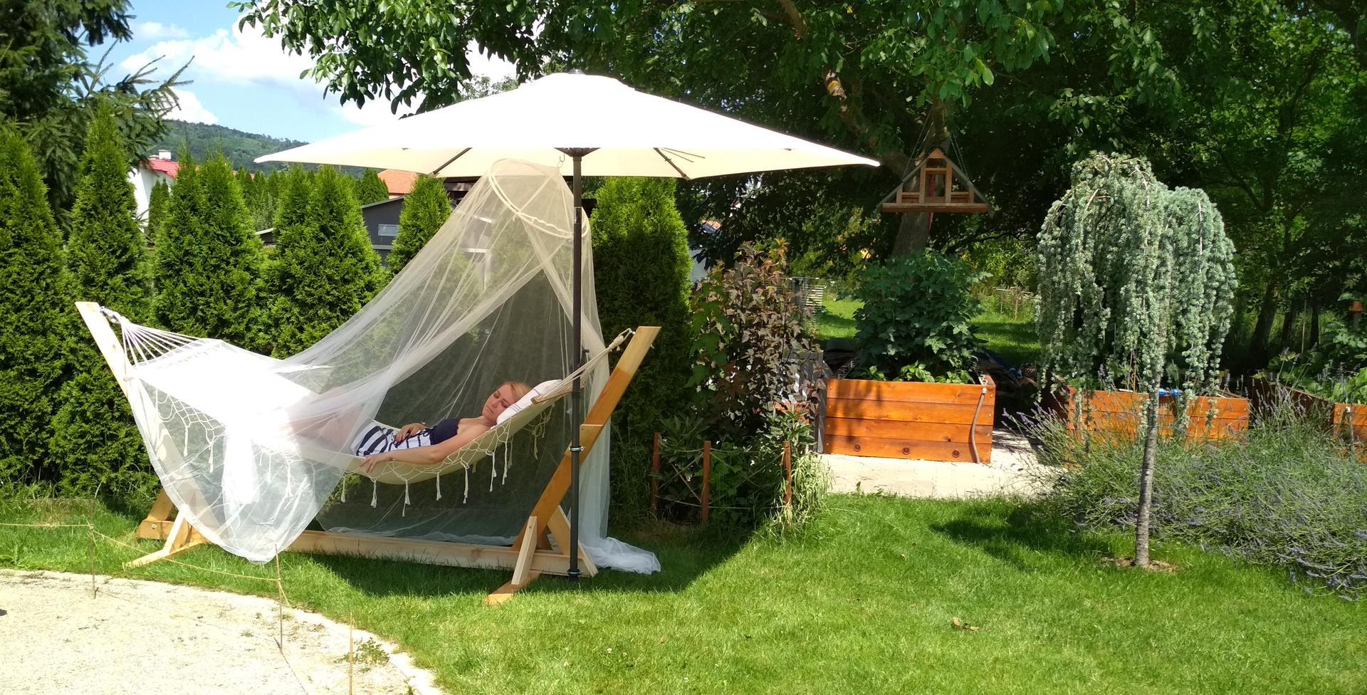 Drevený stojan na hojdaciu sieť... relax v záhrade - Obrázok č. 2