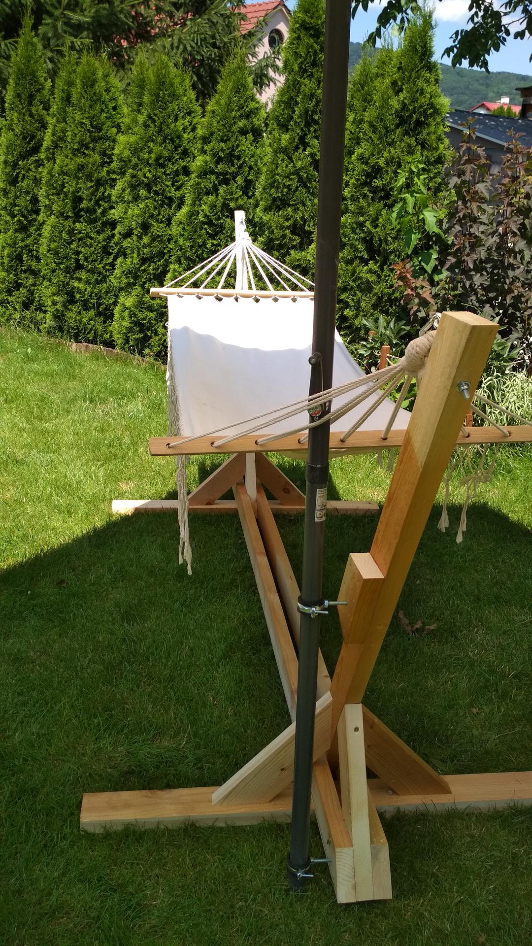 Drevený stojan na hojdaciu sieť... relax v záhrade - Obrázok č. 18