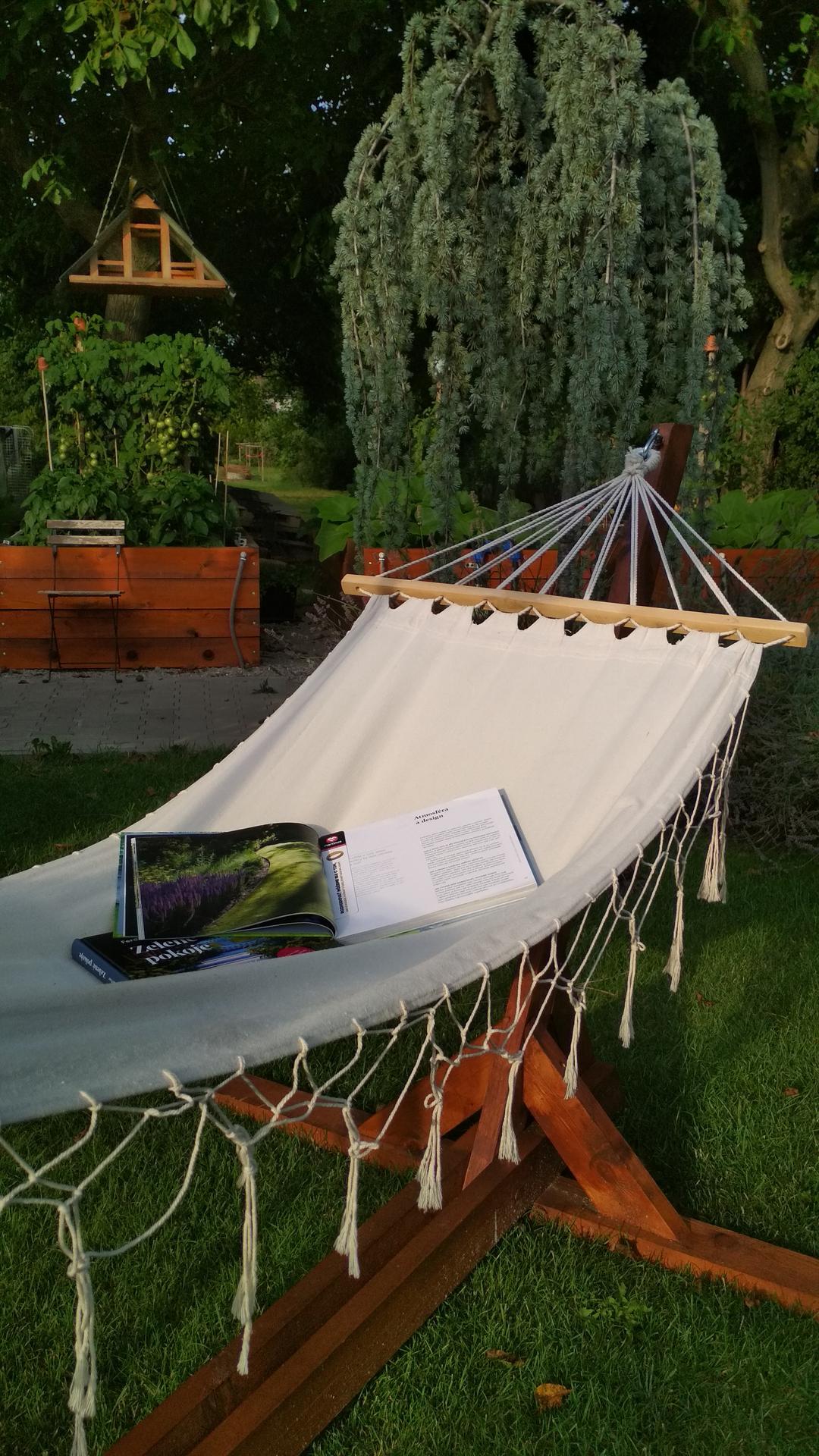 Drevený stojan na hojdaciu sieť... relax v záhrade - Obrázok č. 31
