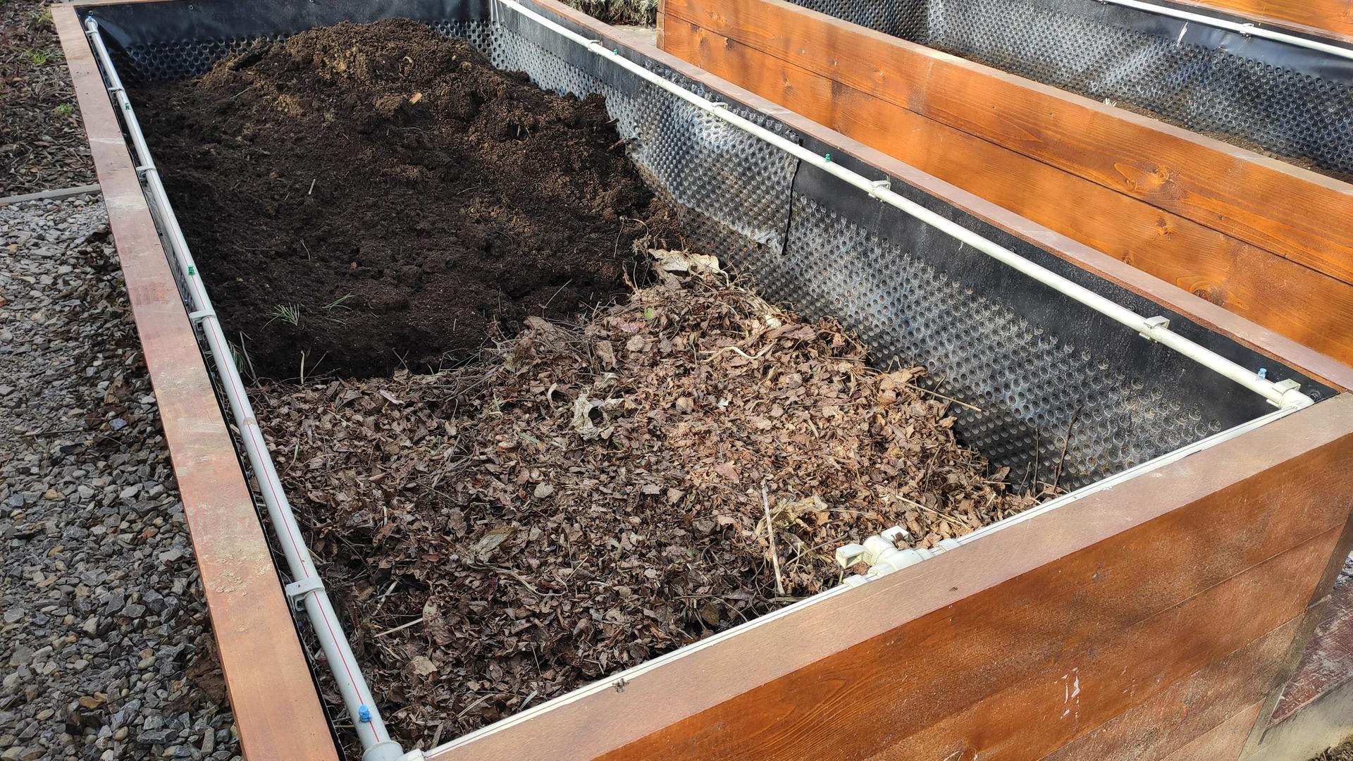 Vyvýšené záhony a úžitková záhrada - sezóna 2021 ... príprava, sadenie, starostlivosť - Obrázok č. 15