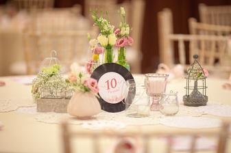 a platne s číslami stolov! :o)