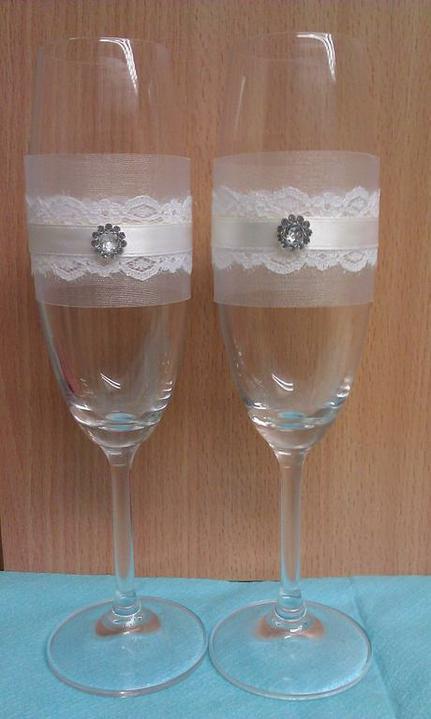 """""""gombíkový a iný úchyl"""" - a svadobné poháre s čipkou...."""