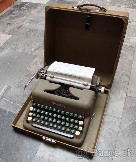 """""""gombíkový a iný úchyl"""" - starý písací stroj môj..."""