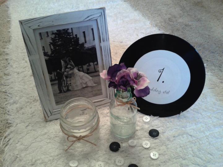 Všetko handmade :o) - a takto nejako bude vyzerať výzdoba na stoloch... :o)