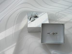zásnubní prstýnek, dostala jsem ho vloni k narozeninám