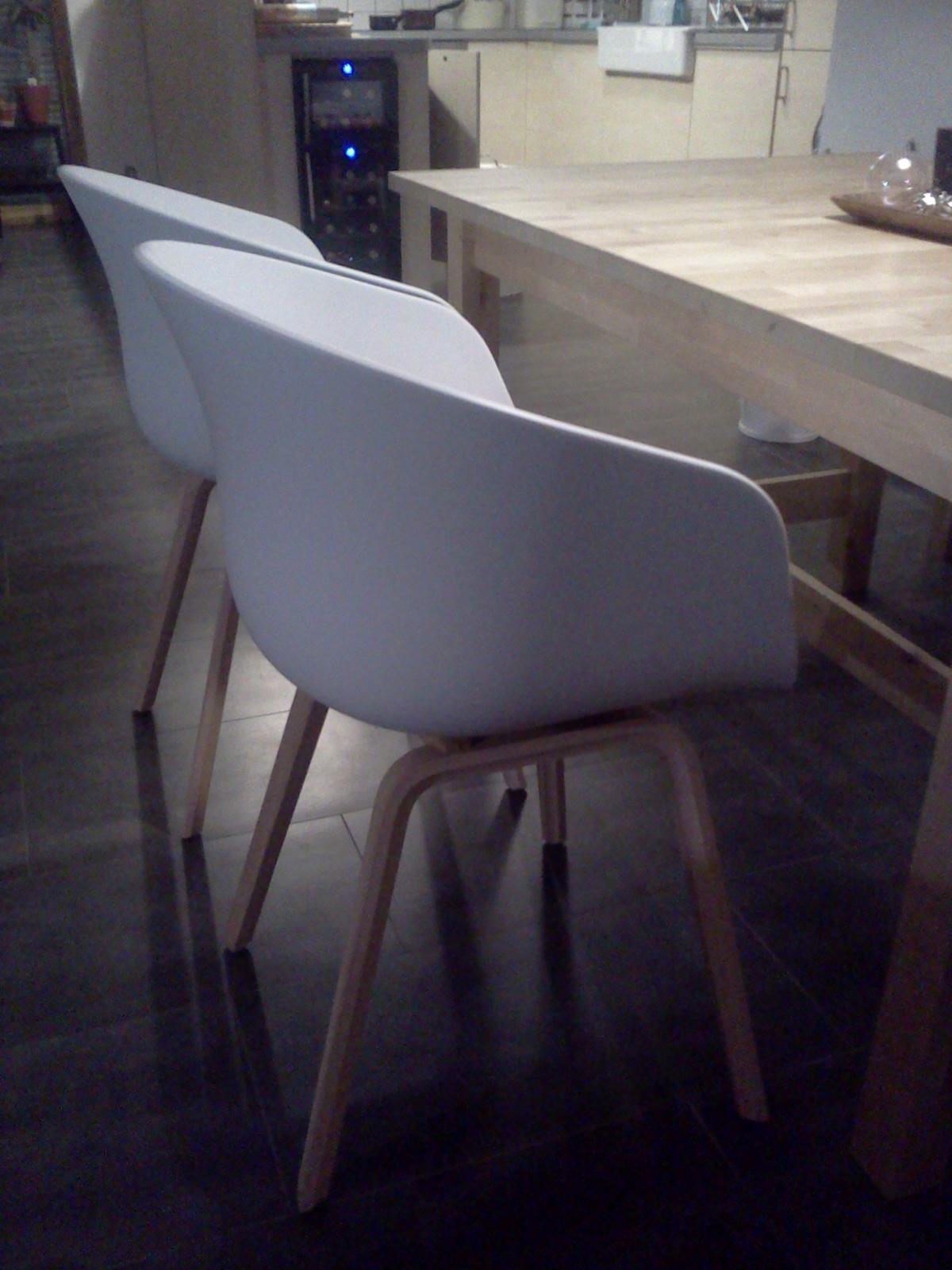 Domeček - hééééj, tak už mám konečně židle od HAY...