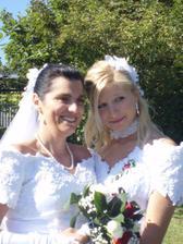 Já a Adélka-moje starší dcera -družička