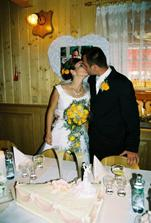 už za svadobným stolom