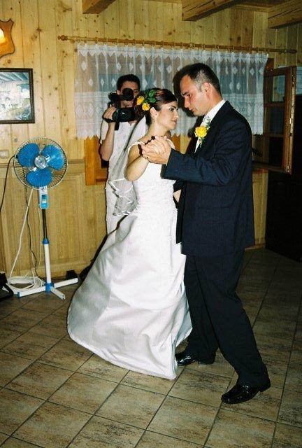 katka{{_AND_}}Peťko - prvý manželský tanec