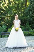 Svatební šaty, možnost půjčení, 36