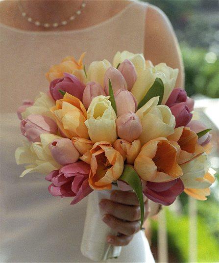 "Jedneho krasneho dna... - ten ""drziak""mi pride dost mohutny ale kvety nadherne"